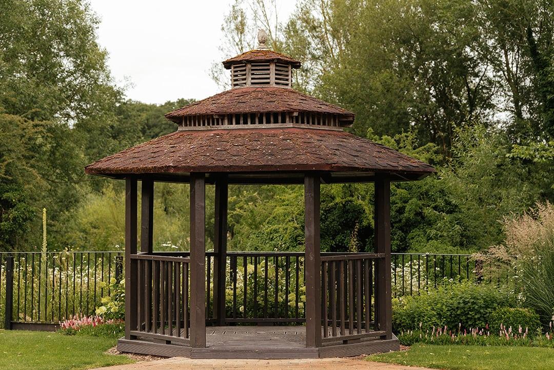 Riverside Garden Gazebo Tewin Bury