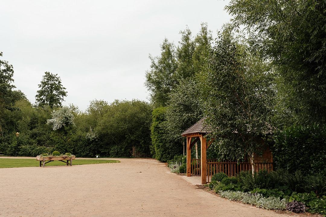 The Tythe Barn Garden at Tewin Bury Farm
