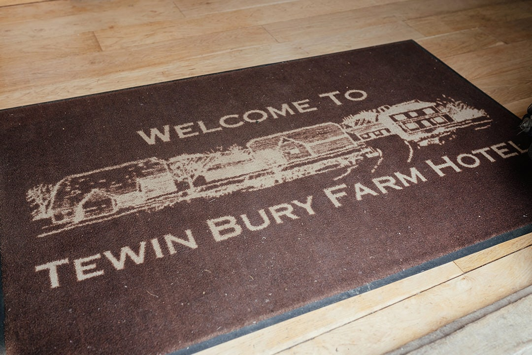Welcome to Tewin Bury Farm Hotel
